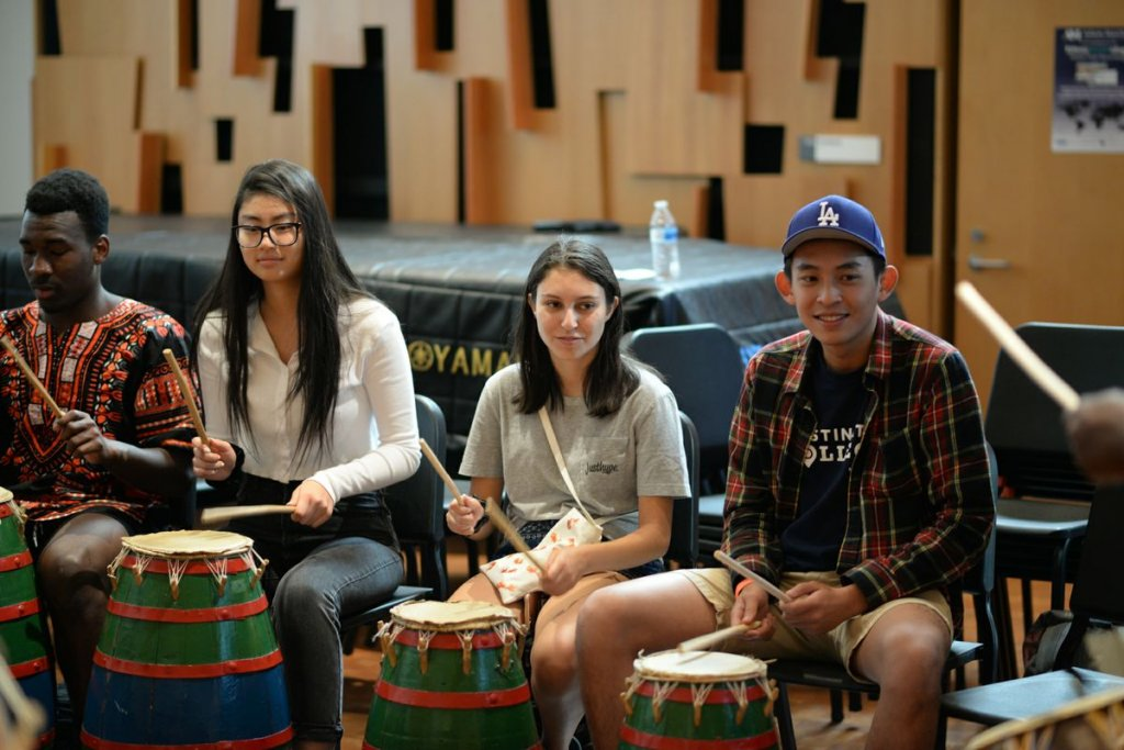 The Ethnomusicology Archive-Ghanaian Drumming